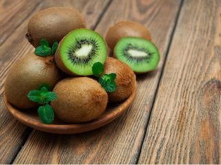 8 beneficios que no conoces del kiwi
